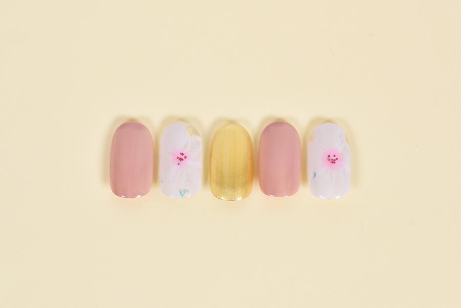 爪いっぱいに桜満開ネイル