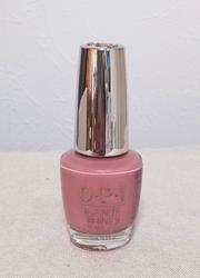 大粒パールで印象的なピンクネイル