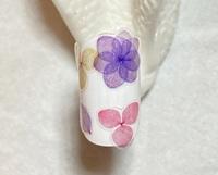紫陽花シールを貼る