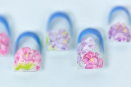 ブルーの紫陽花フレンチネイルアップ