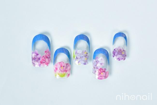 ブルーの紫陽花フレンチネイル