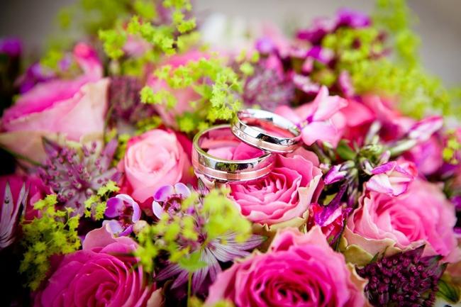 薔薇のブーケと指輪