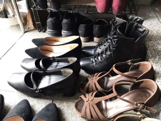 玄関に置かれた靴